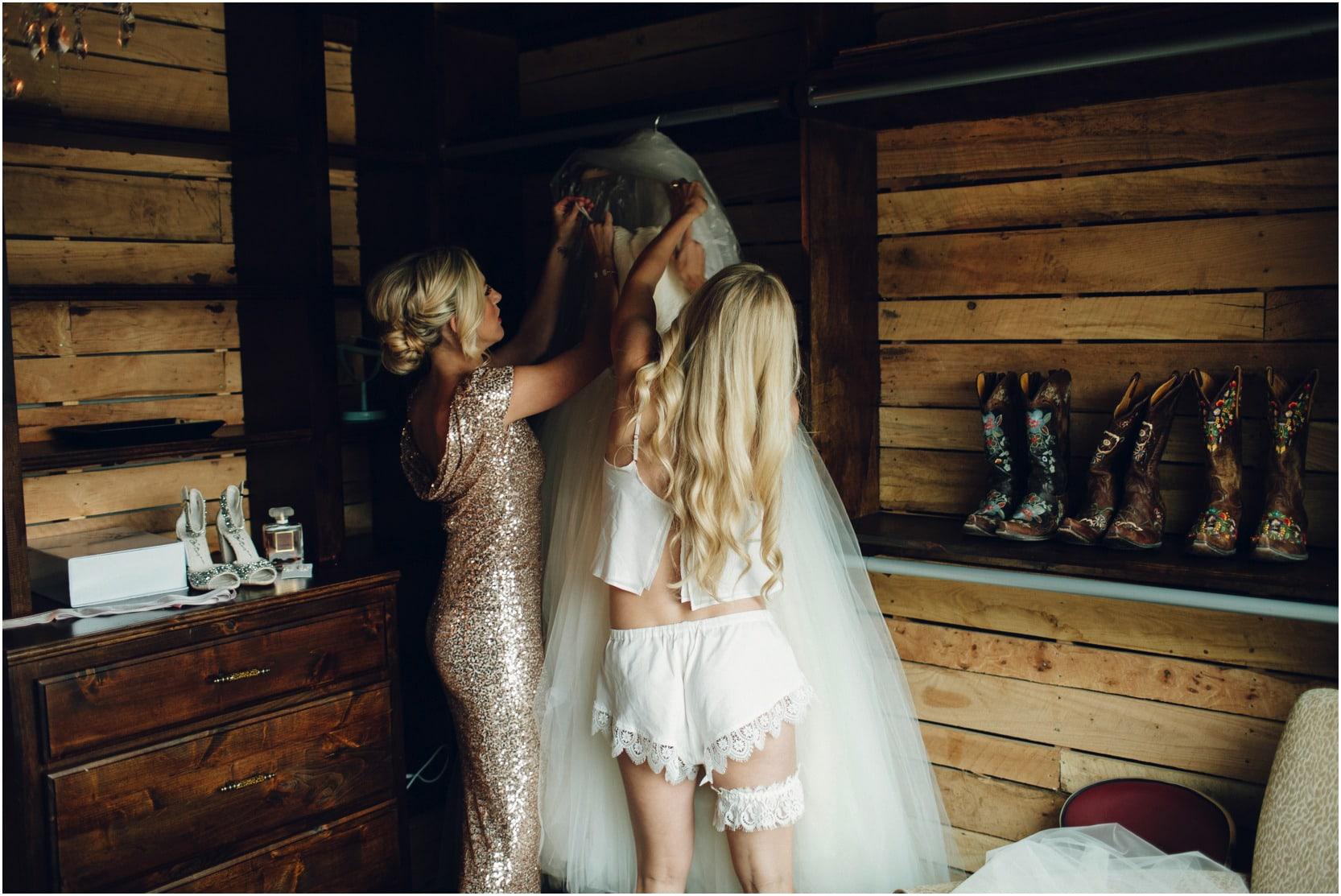 coderhillenburg_oklahoma_wedding__46_blogstomped