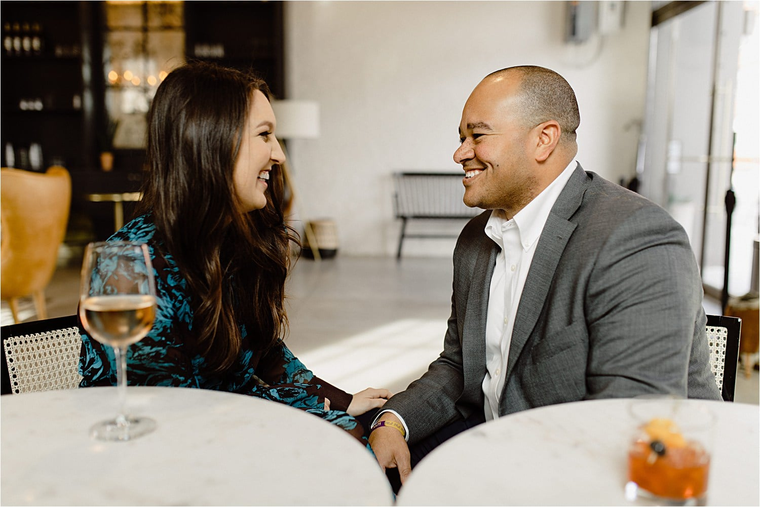 6 ways to get couples relaxed on engagement sessions
